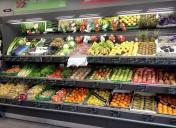 Nouveau concept de meuble fruits et légumes avec miroir et broches