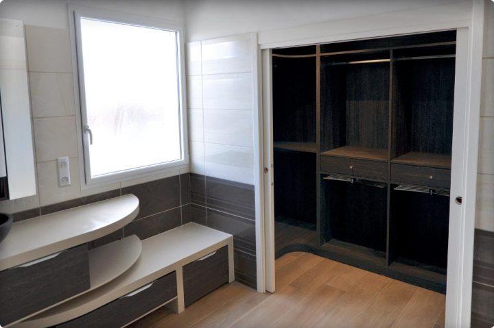 Associer le dressing à la salle de bain | REYNIER Agenceur